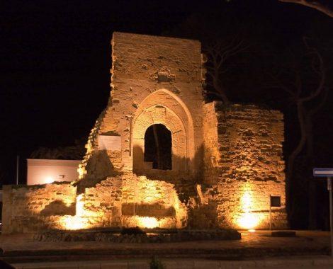 1445510135-0-mazara-una-mozione-a-tutela-dell-arco-normanno-di-piazza-mokarta-incontro-sul-porto
